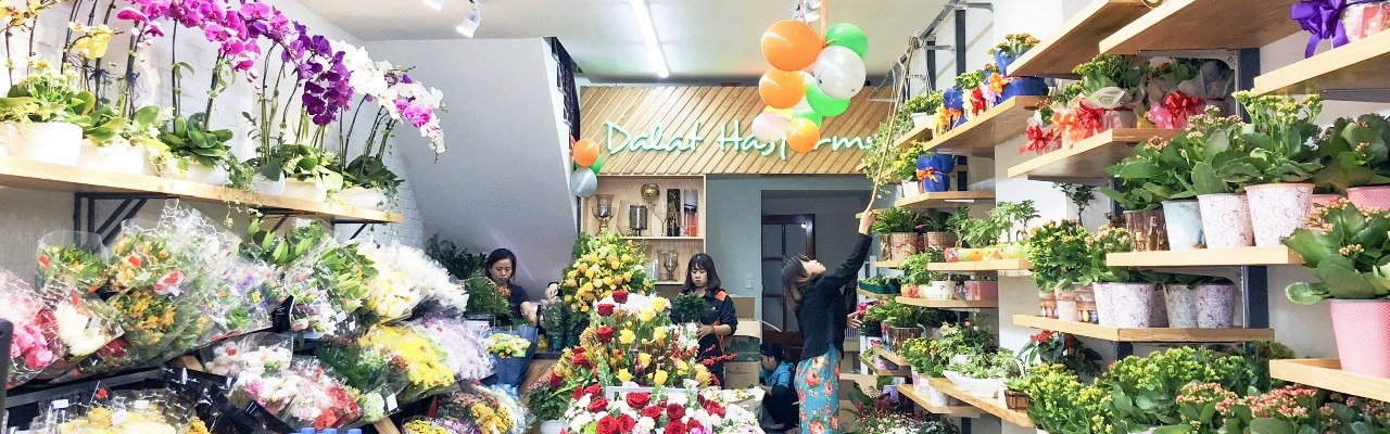 Dalat Hasfarm New look for Nguyen Chi Thanh shop in Hanoi