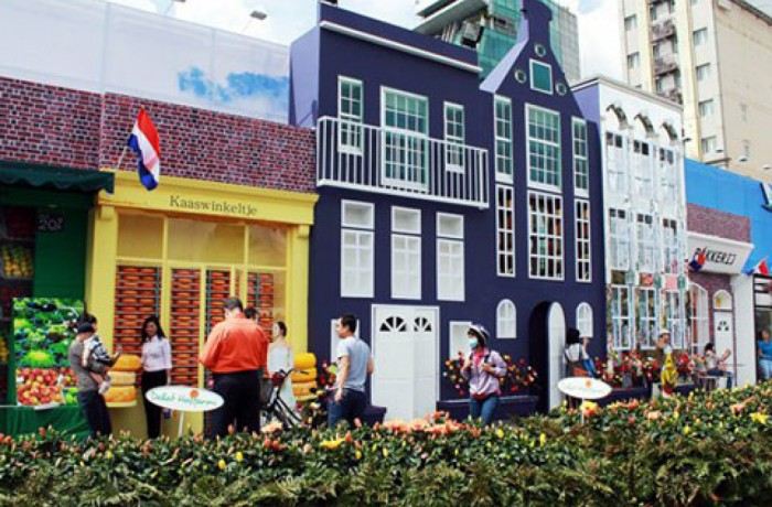 Get inspired by Dalat Hasfarm booth at Holland Village